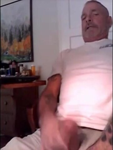 Hung Sexy Rugged Daddy Jack Off 1 4